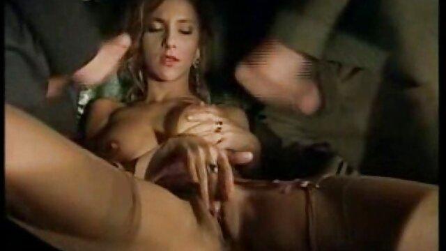 Chico pilla a su novia con cola de caballo tomando semen videosxxx caseros en español de papá