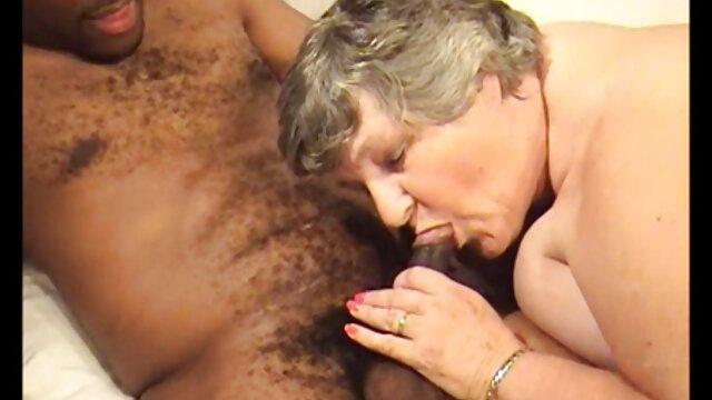 Apolonia Lapiedra condimenta el sexo videos xxx completamente gratis con un fetiche de pies