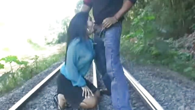 cámara videos xxx hentai en español insegura 05 - big tit milf cambiando