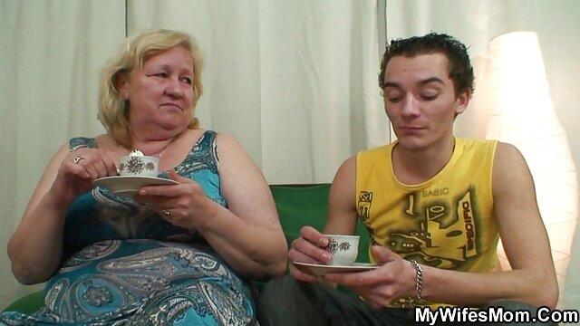 Decadente nena tetona da una mamada increíble y monta una videos xxx en español infieles polla