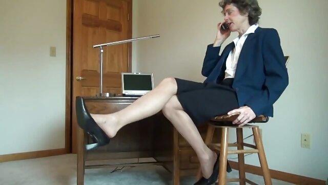El show de videosxxxen español Skype con la Sra. Paris Rose