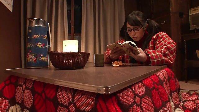 Trío caliente con vídeos xxx en castellano mujer rubia