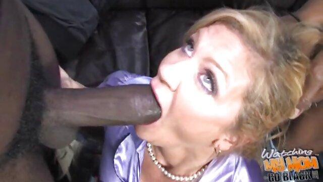 Mamá de PAWG le encanta montar videos xxx de españoles una gran polla negra