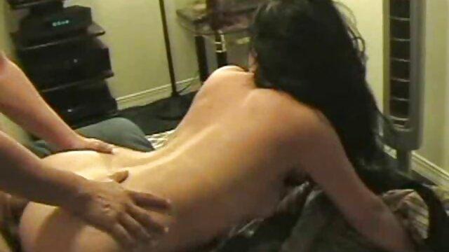 Salas de fitness Sexy jovencita sudorosa gimnasia con abs pov videos xxx pornos en español
