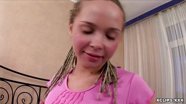 FirstClassPOV - La pequeña Chloe Amour es castigada con una gran polla videos xxx espanol gratis