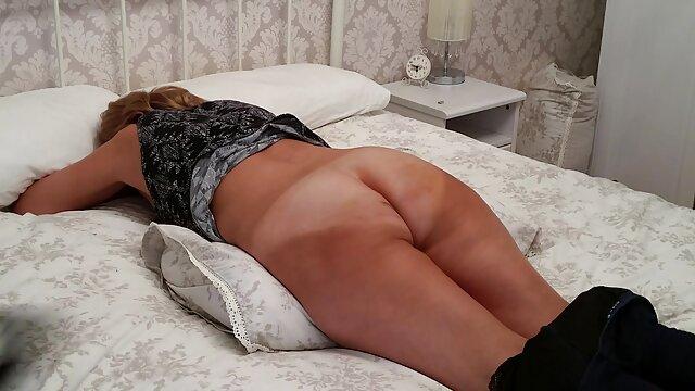 MILF tetona seduce a videos xxx de madres españolas una linda lesbiana y le lame el coño
