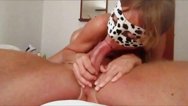 Madison Ivy Johnny Castle - Diversión en la cocina - Chicas español videos xxx